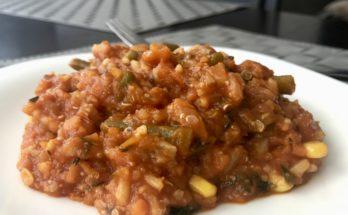 czerwone risotto z amarantusem i komosą ryżową