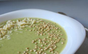 Zupa krem z końcówek szparagów, cukinii i groszku. BLW.