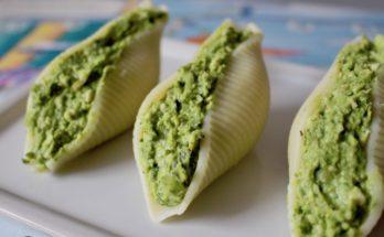 Muszle makaronowe faszerowane zielonym groszkiem blw