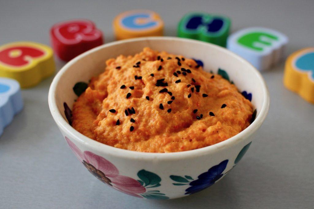 Pasta z pieczonej marchewki, papryki i cebuli
