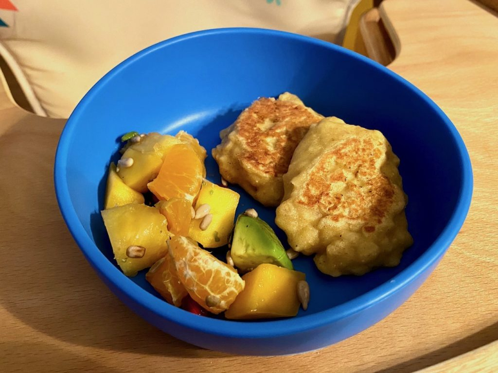 Racuchy drożdżowe z cukinią i jabłkiem BLW