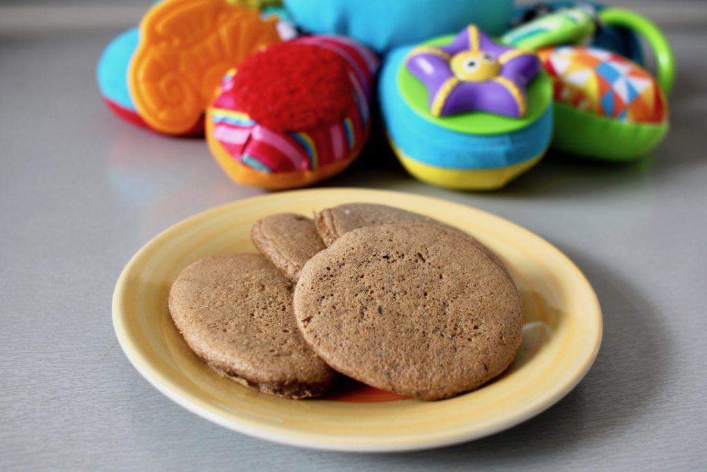 Karobowe biszkopciki bez mleka i glutenu blw